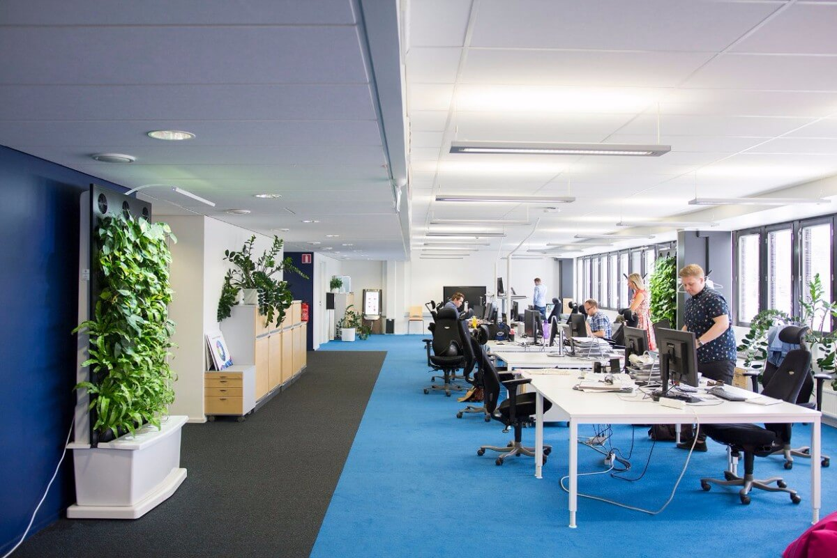jcdecaux-whole-office-view-naava.jpg