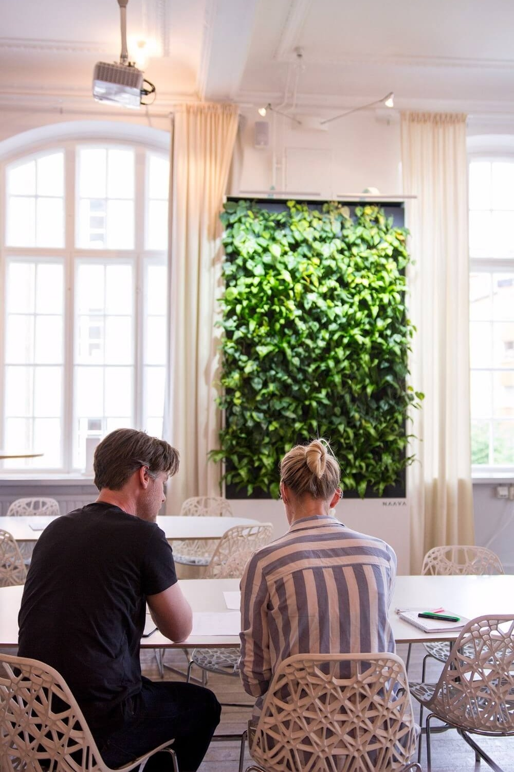 Naava brings light and greenery into indoor spaces.